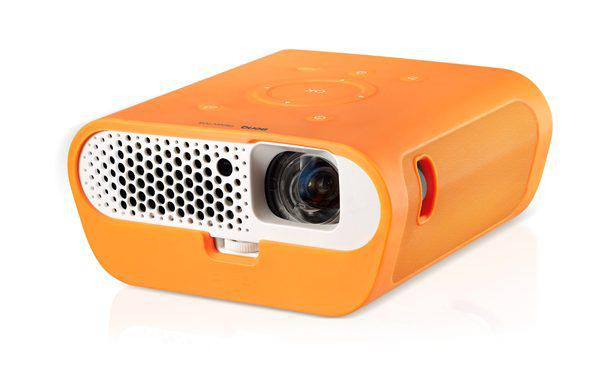 Quick look benq gs1 portable projector gadgets magazine for Small powerful projector