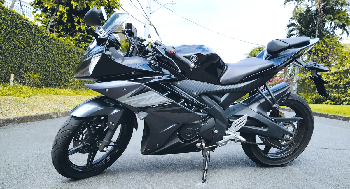 Yamaha yzf r15 version 30 price specs review pics autos post for Yamaha philippines price list 2017